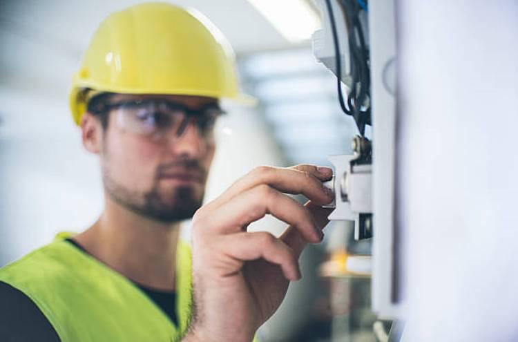 electric-engineer-worker